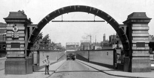 Rotherhithe_tunnel_1909